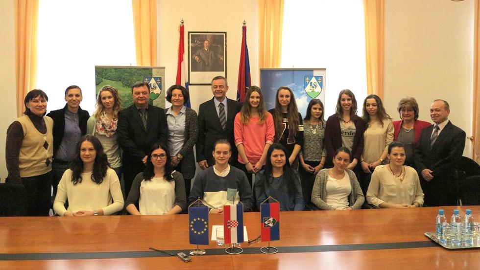 Župan Darko Koren primio kadetkinje hrvatske rukometne reprezentacije