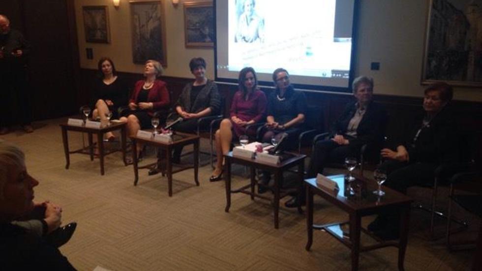 Uključenost žena u lokalnu i regionalnu politiku je ključna tema