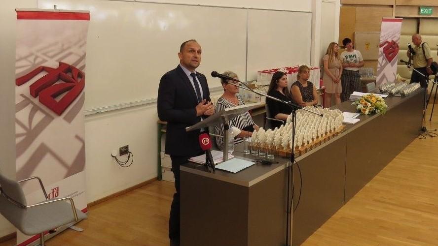 Oskare znanja primilo 300 učenika