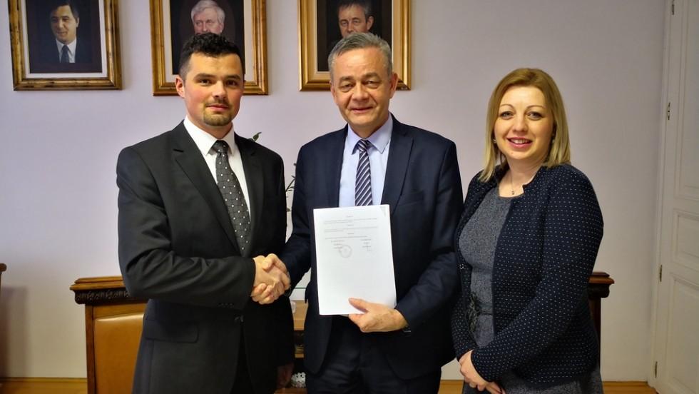 """Potpisan ugovor za projekt  """"Svijest Akcija Volja Jačanje Energija Trening MLADIH"""""""
