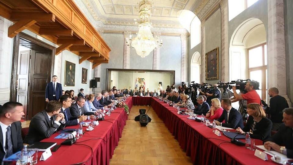 Plenković i članovi Vlade sa županima u Varaždinu: Ostvarena je konkretna projektna suradnja Vlade i lokalnih zajednica