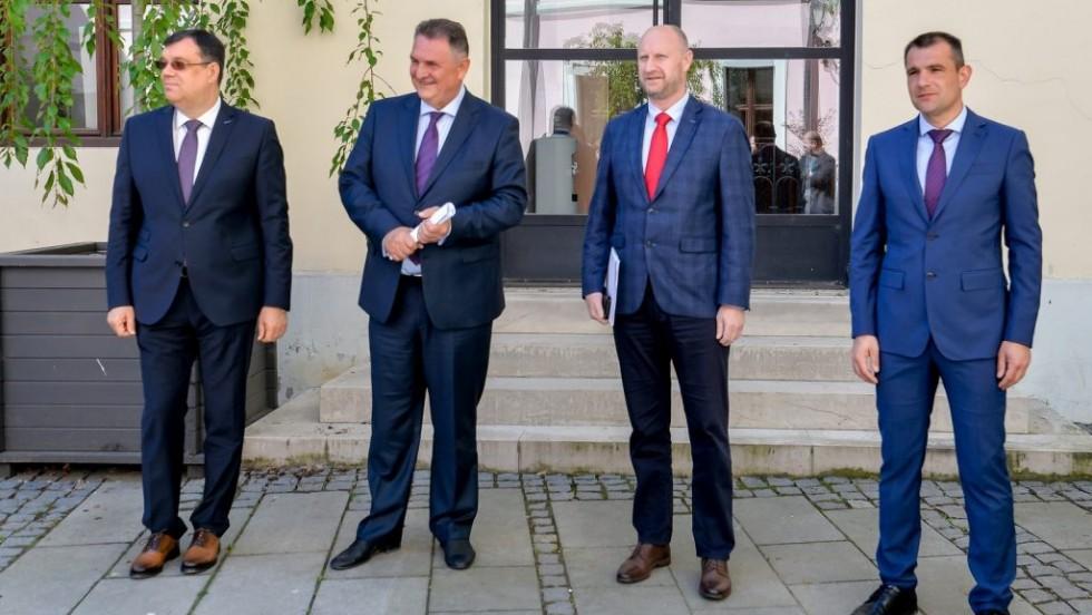Župani Posavec, Čačić, Bajs i Kolar zatražili od Vlade da povuče odluku o početku nastave