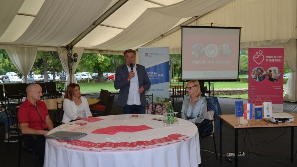"""Sisačko-moslavačka županija: Projekt """"Mobilni tim u zajednici"""""""