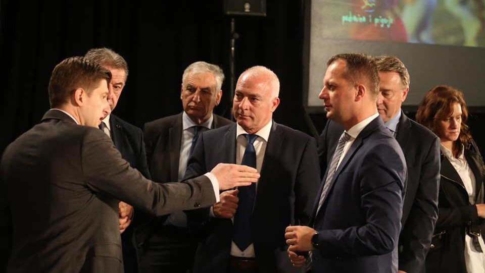 Potpisani Sporazumi o povjeravanju poslova ureda državne uprave županijama