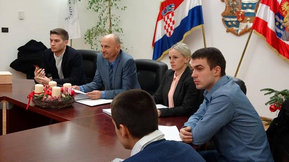 U Varaždinskoj županiji zajednički sastanak na temu zabrane mobitela u školama