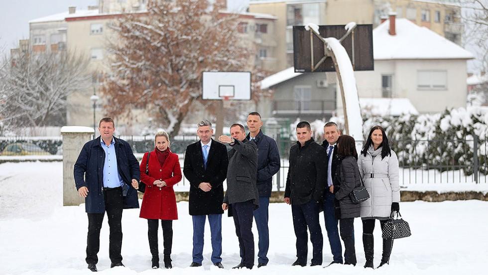 Virovitičko-podravski župan Igor Andrović istarskom županu Valteru Flegi predstavio neke od najznačajnijih županijskih projekata